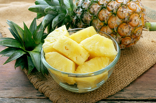 How-to-enjoy-pineapple-and-other-tricky-fruits